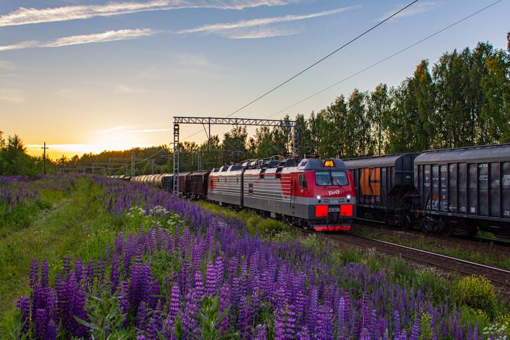 Новый электровоз 2ЭС5К «Ермак» 2020 года выпуска на станции Котельнич-I в Кировской области